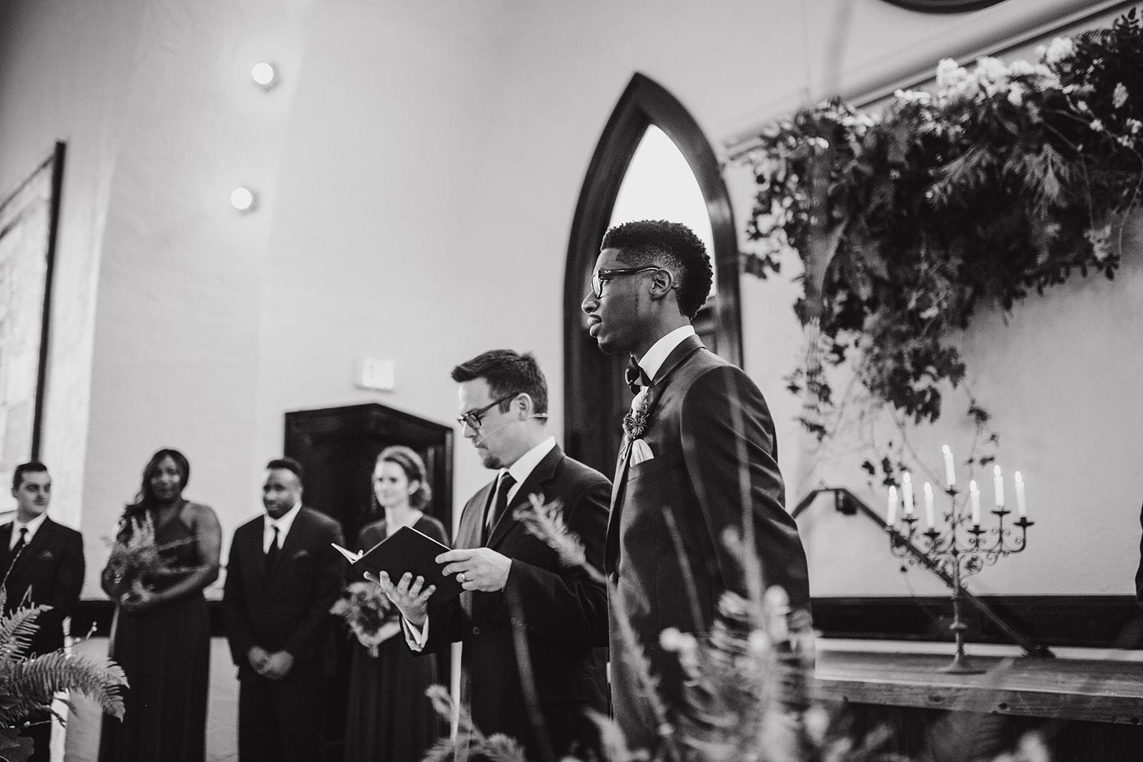 portland - wedding - photographer - doorofhopechurch431.jpg