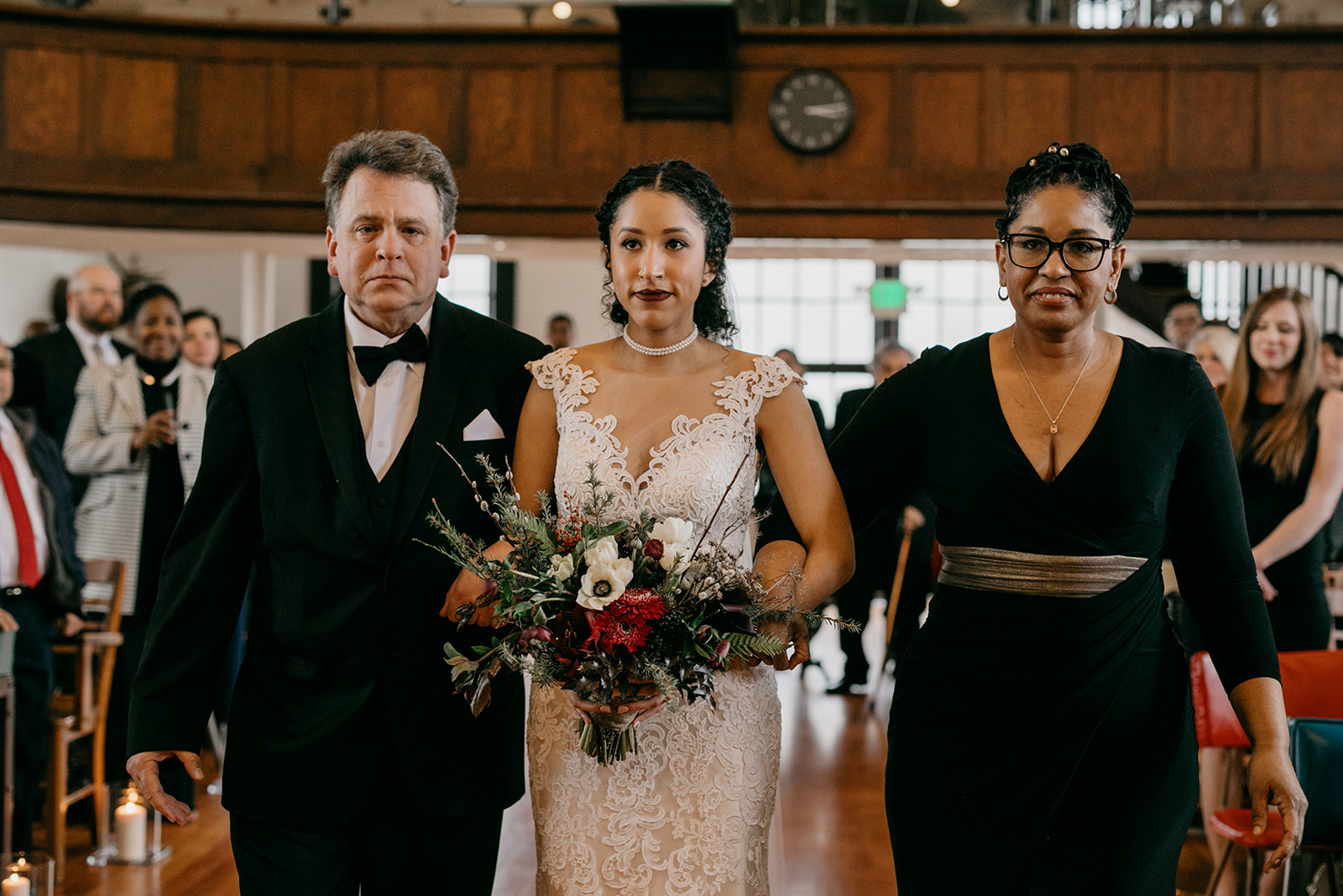 portland - wedding - photographer - doorofhopechurch438.jpg