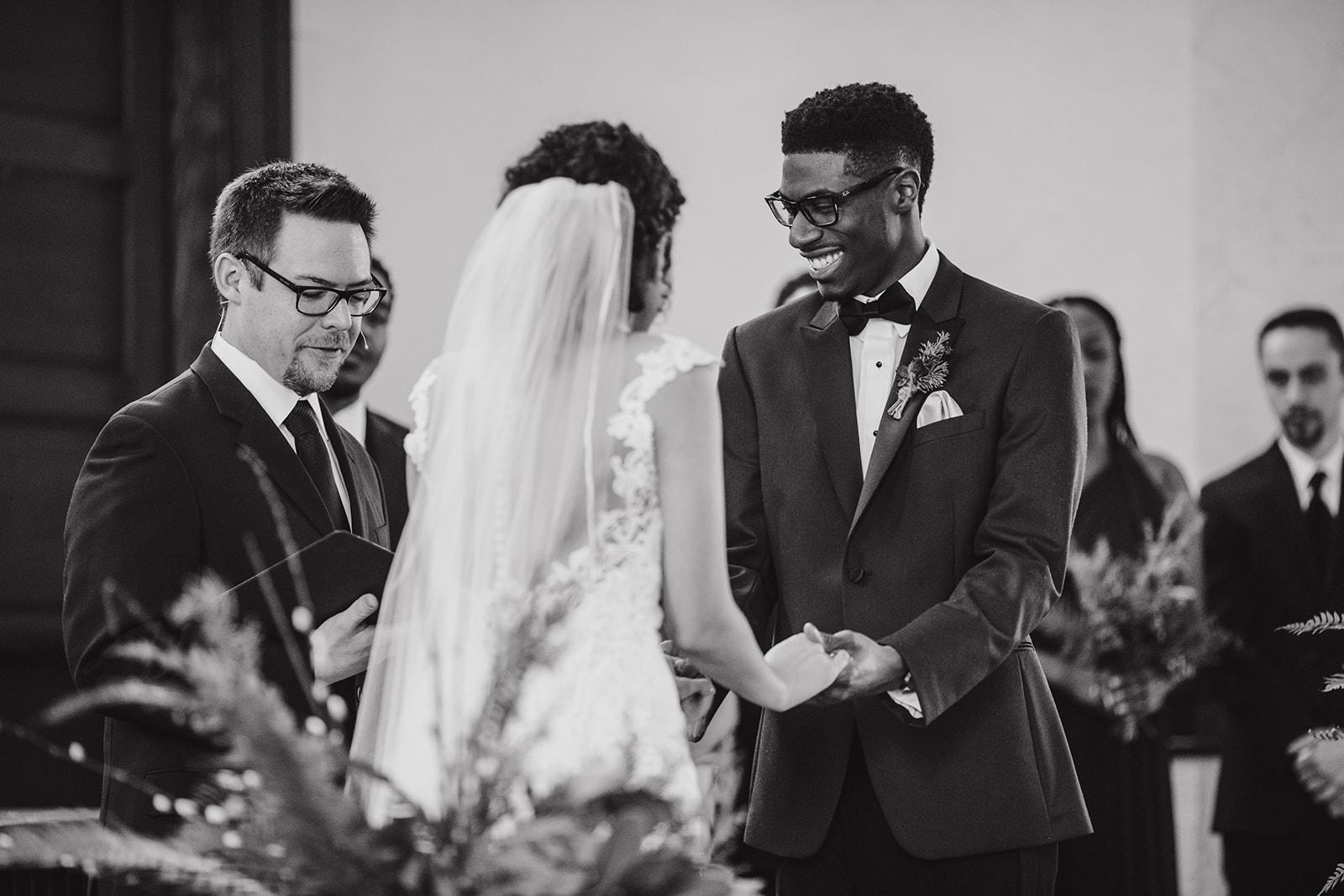 portland - wedding - photographer - doorofhopechurch457.jpg