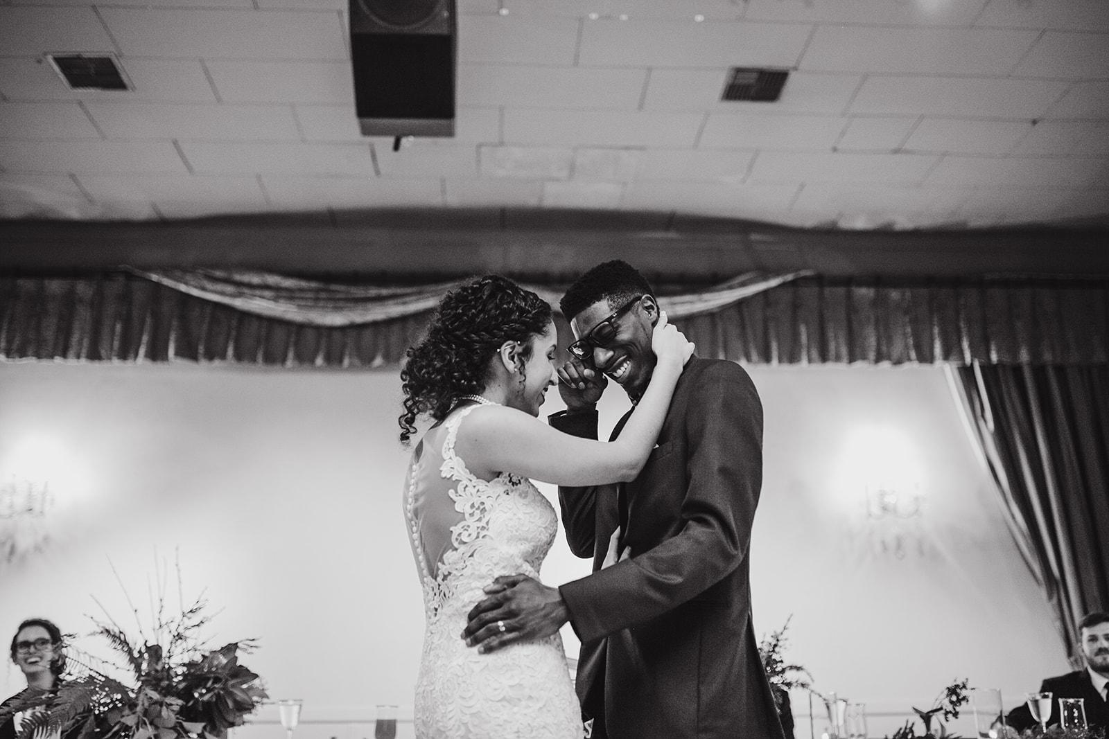 portland - wedding - photographer - doorofhopechurch589.jpg