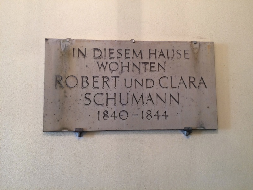 Plaque on the building where Robert and Clara first lived