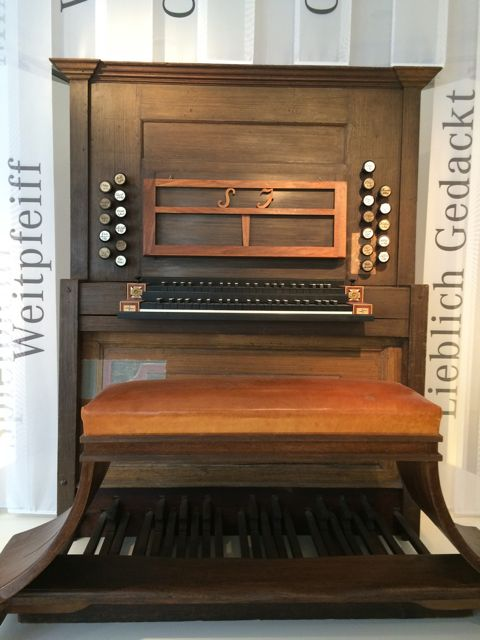A copy of Bach's Leipzig organ—however the organ bench was the actual one Bach used!