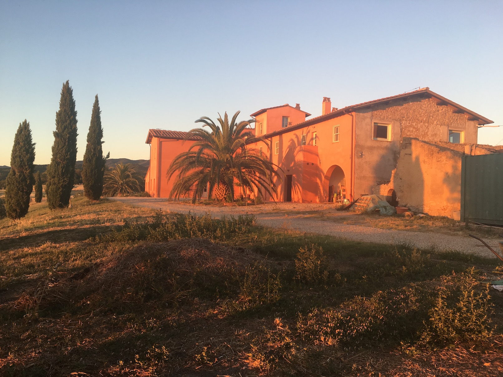 Here's the farm house at sunset. It was an idyllic environment, with views of the Mediterranean and Tuscan wheat fields and vineyards.