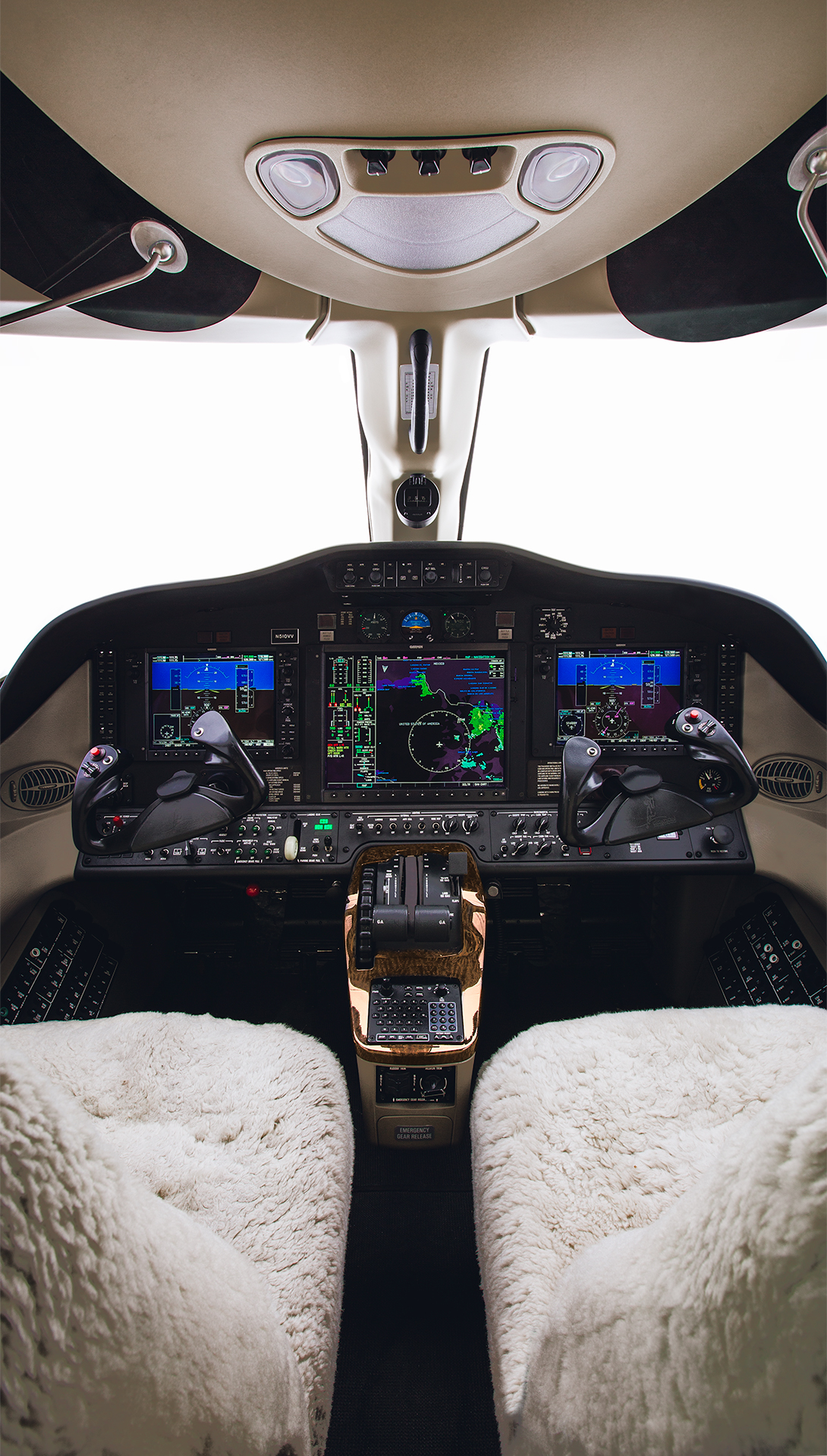 Cessna_Citation_Mustang_cockpit_photography_jimmy_bowron.jpg