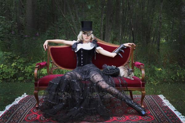Tinker Tailor med hennes fantastiska skapelser.
