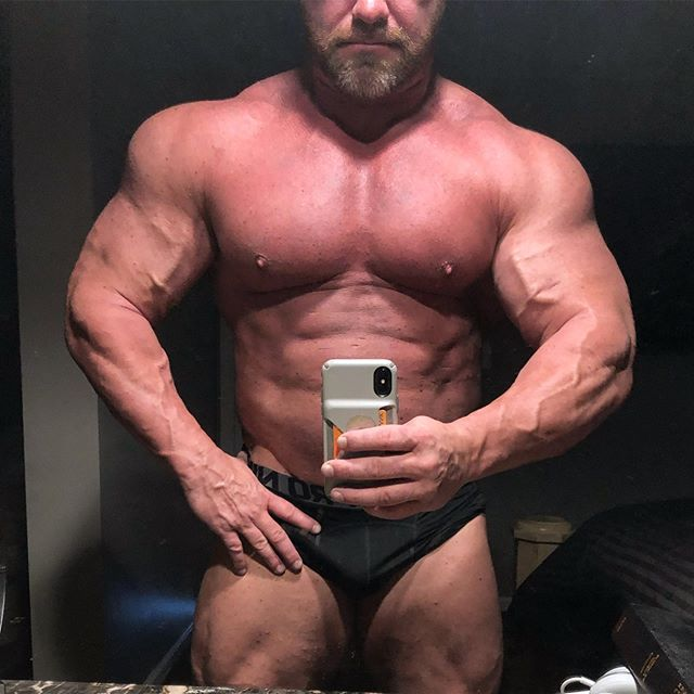 Because... THERE IS NO OFFSEASON FOR THE HARDCORE, THE EXTREAME, THE PSYCHOPATHS!!!!! Current situation 275lbs  Photo credit :: Your mom #😈#😘#❤️#☠️##🖤🖤#Monday#Maniac#💯 #silverbackkrew#SBKBOSS #SBKDADDY#lifestyle#go##harder#stronger #bodybuilding#powerlifting #Strongman#ImHereToWiN #AlphaMaleKrew#HellYes #TurnDownForWhat