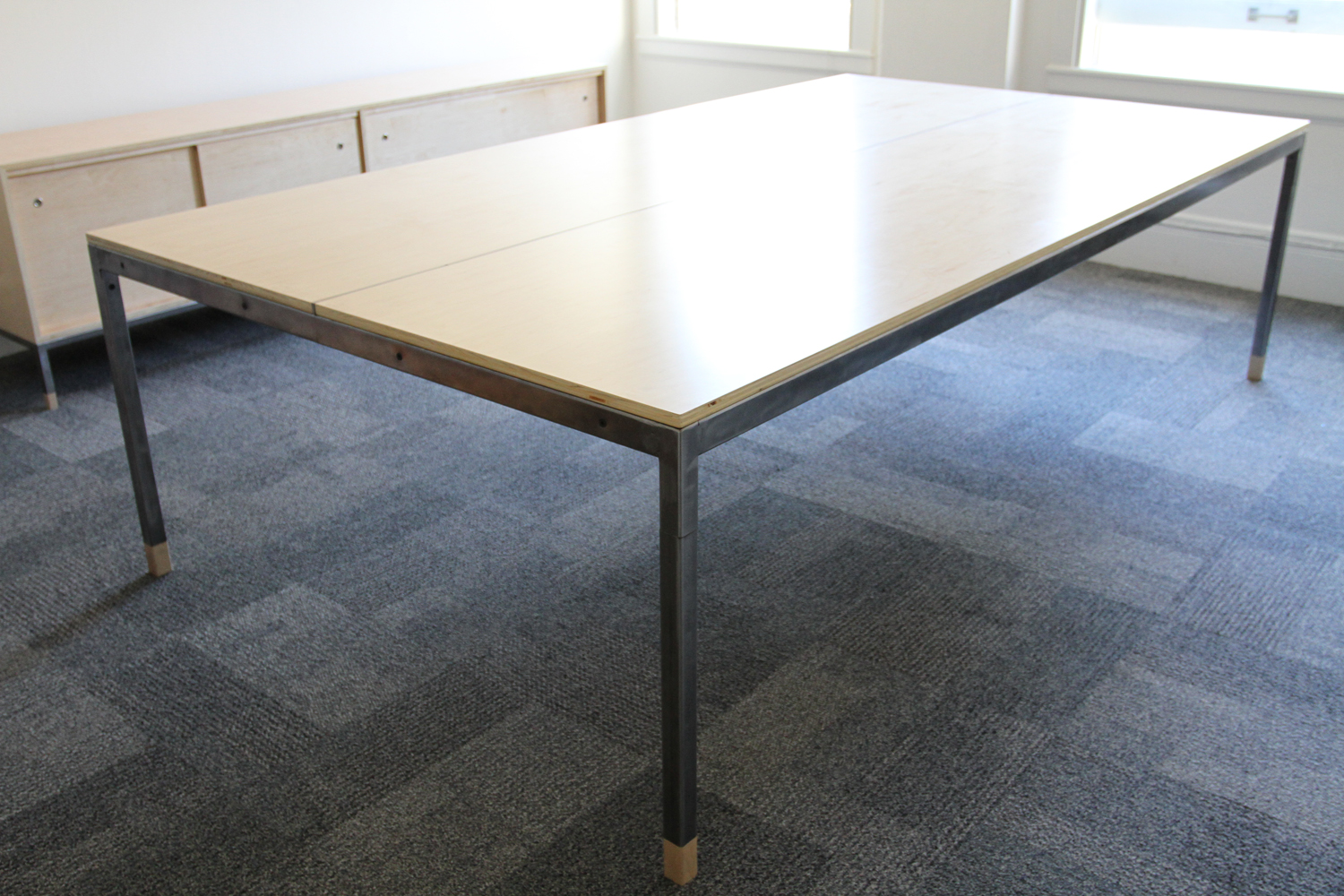 conferencetable_01.jpg