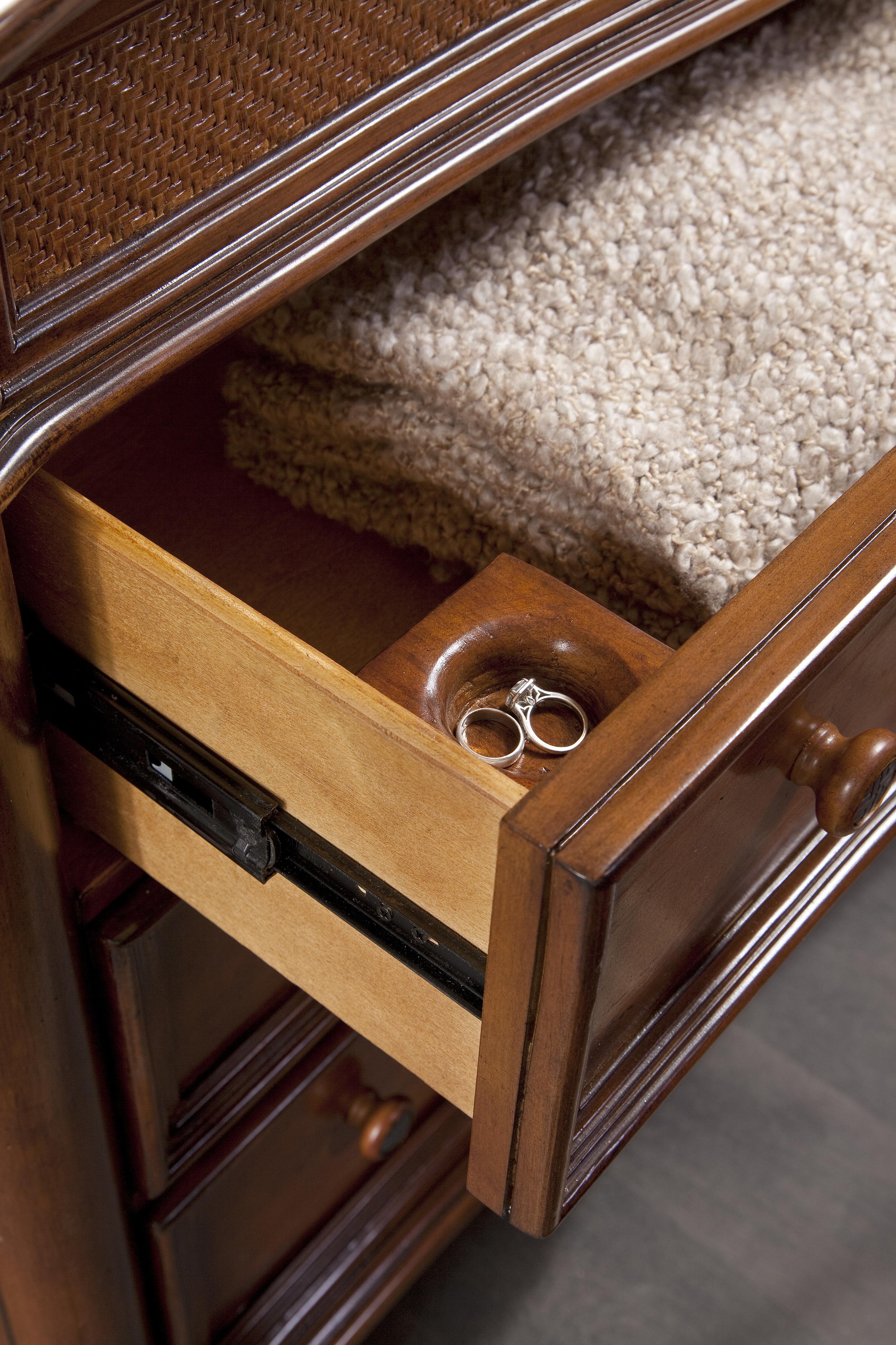 6000-280 Dresser_mirror Roller and detail of ring holder.jpg