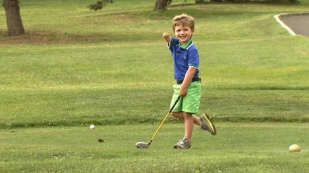 3 Year Old One Armed Golfer Hits Balls 100 Yards    September 19, 2014