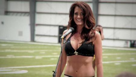 Inspiring Story of a 41 Year Old NFL Cheerleader    December 03, 2014