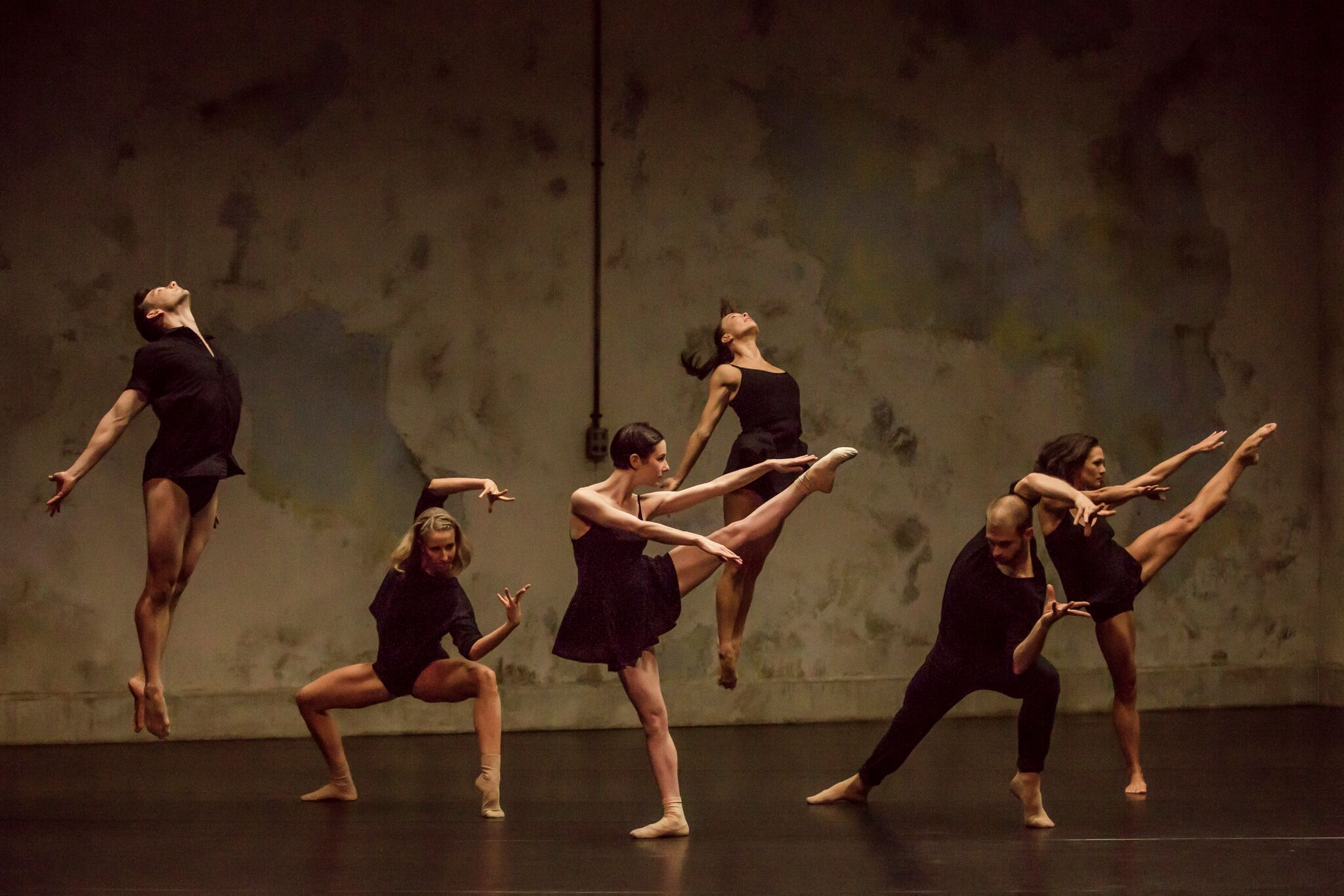 Jesse (middle) in Sydney Dance Company's Frame of Mind. Photography: Peter Greig