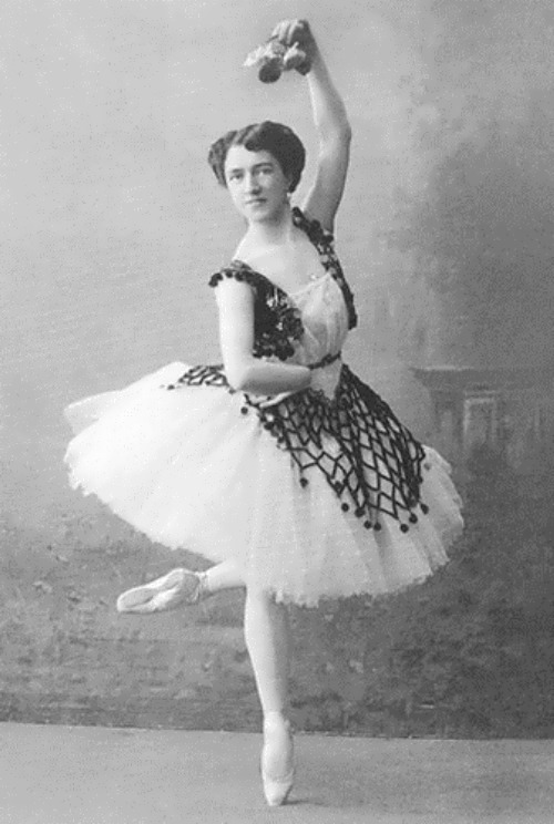 Agrippina Vaganova, ballerina and founder of the Vaganova method pictured in 1910. Note the degree of turnout and the height of the attitude