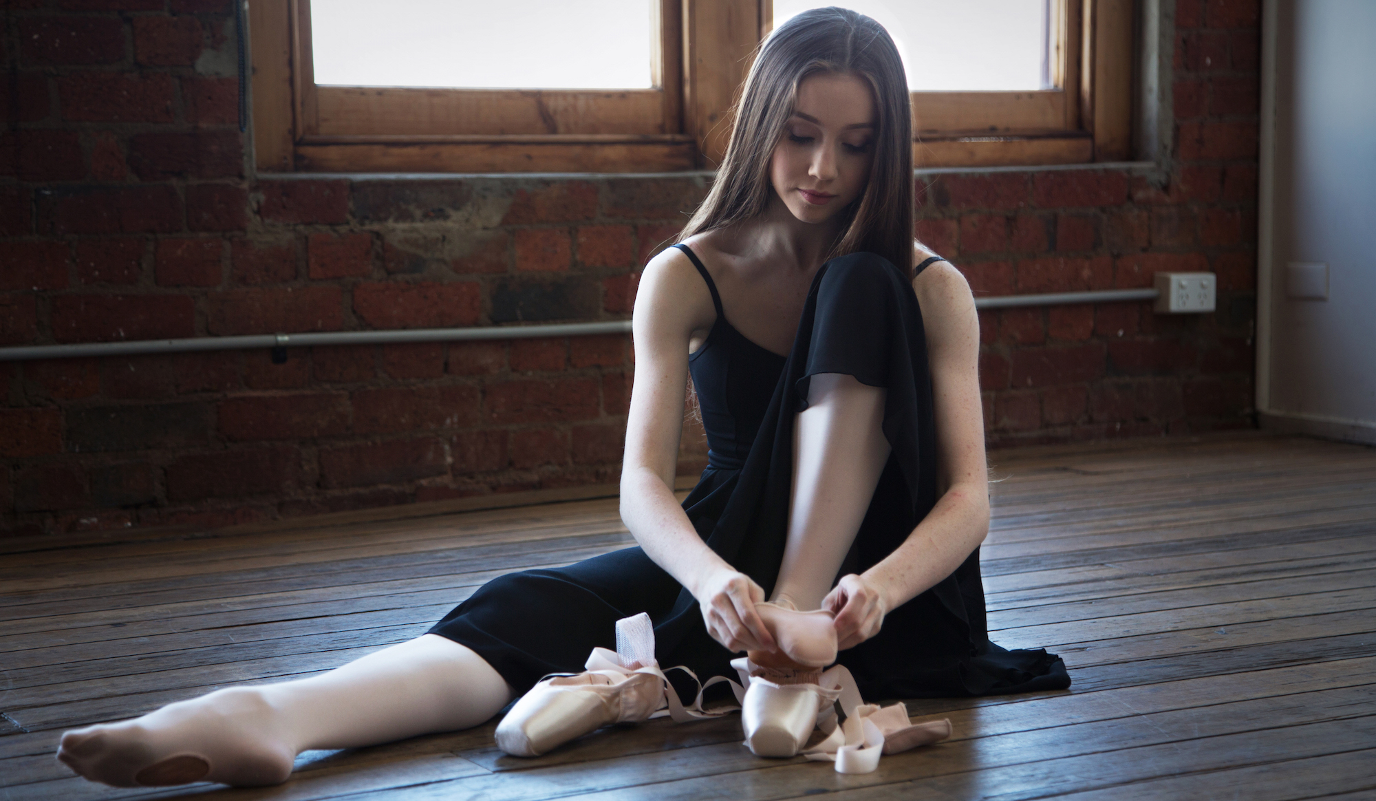 Pointe shoe image 3.jpg