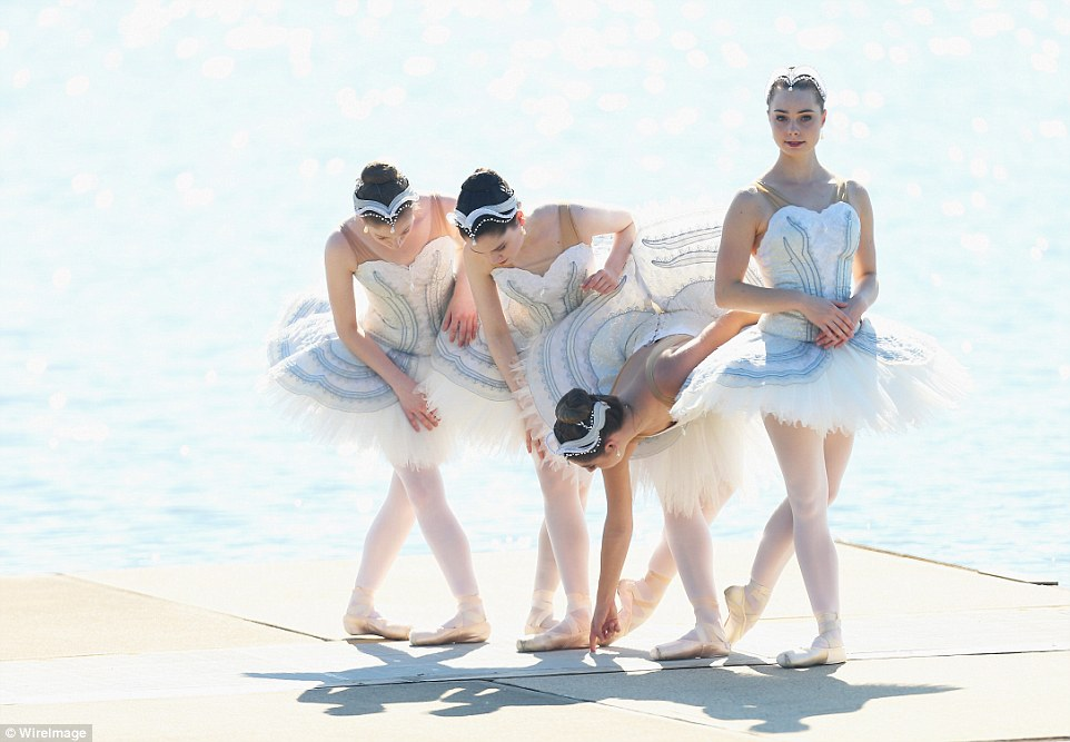 33E2D4CE00000578-3580185-Major_commitment_The_Australian_Ballet_has_a_commitment_to_reach-a-23_1462757604217.jpg