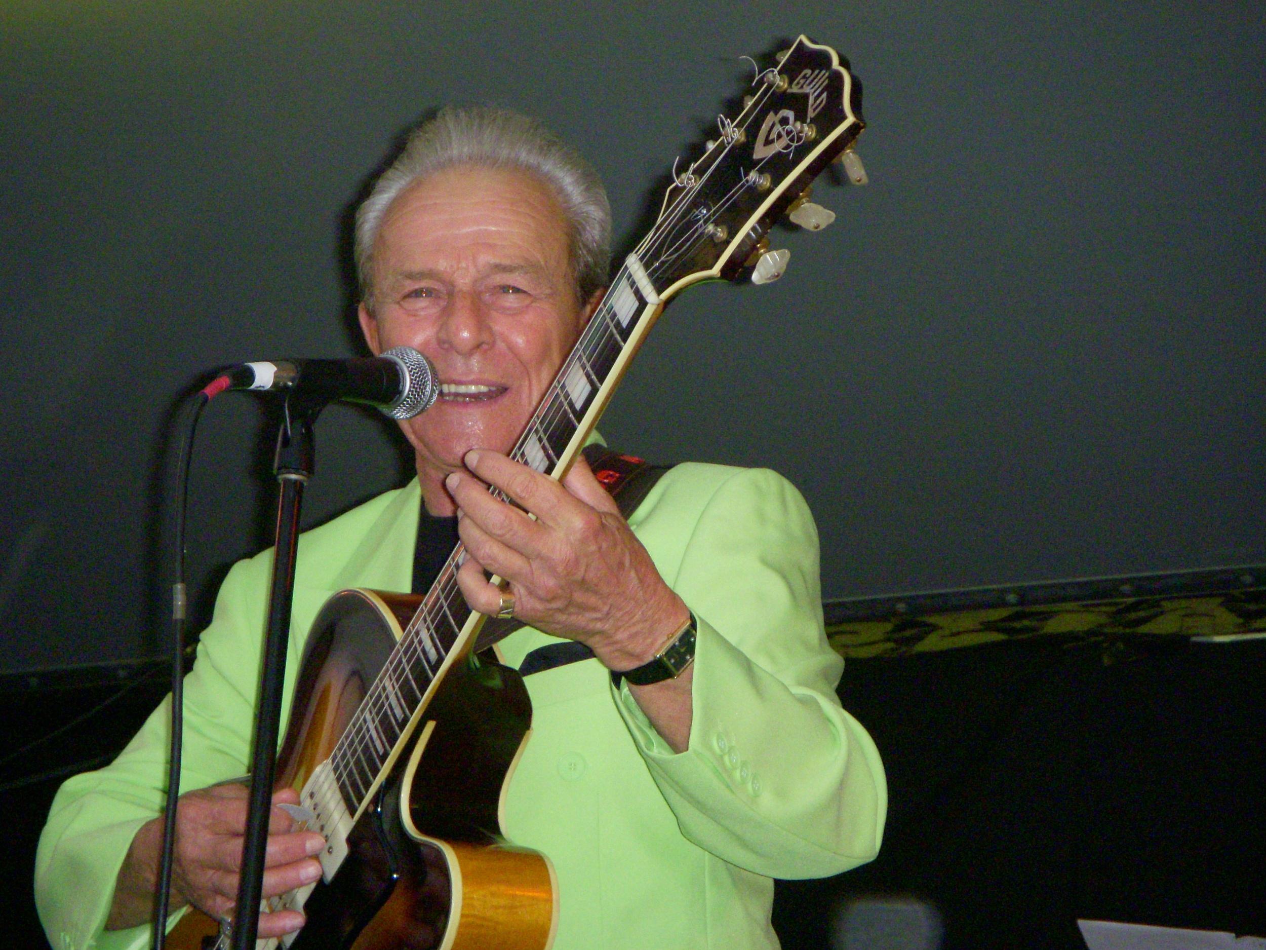 Charlie Gracie at Festival