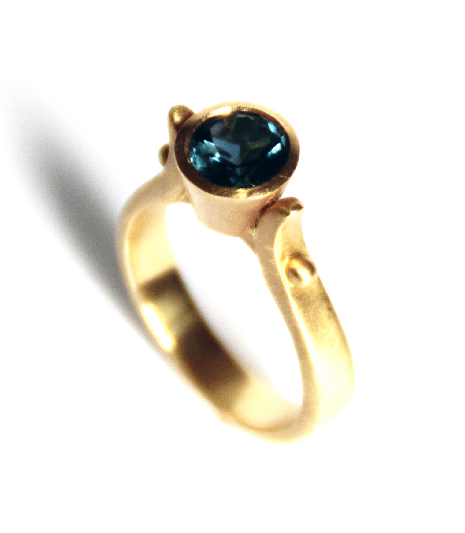 DEVI IOLITE RING