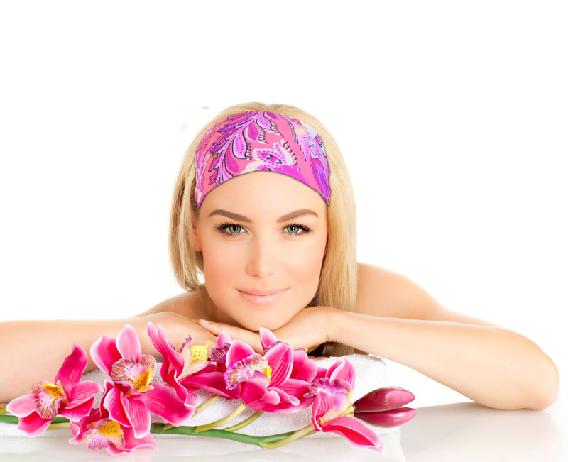 model-headband-pink-blond-flowers-Recovered.jpg