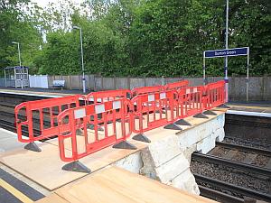 dunton green station  polystyrene plant bridge
