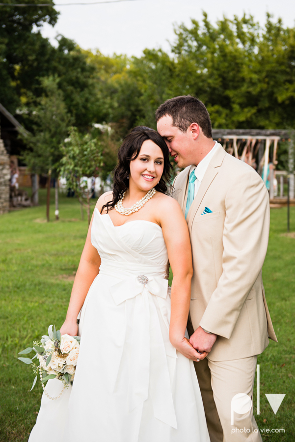 Brittany Garrett Simmons Wedding Weatherford Lucia Bitnar Foster Blue barn rustic blue dessert Sarah Whittaker Photo La Vie-29.JPG