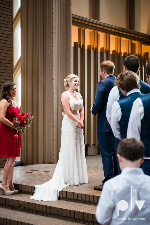 Samantha Arild Ben Wedding Fort Worth Marty Leonard Chapel Ball Eddleman House red lace architecture apple navy Sarah Whittaker Photo La Vie-24.JPG