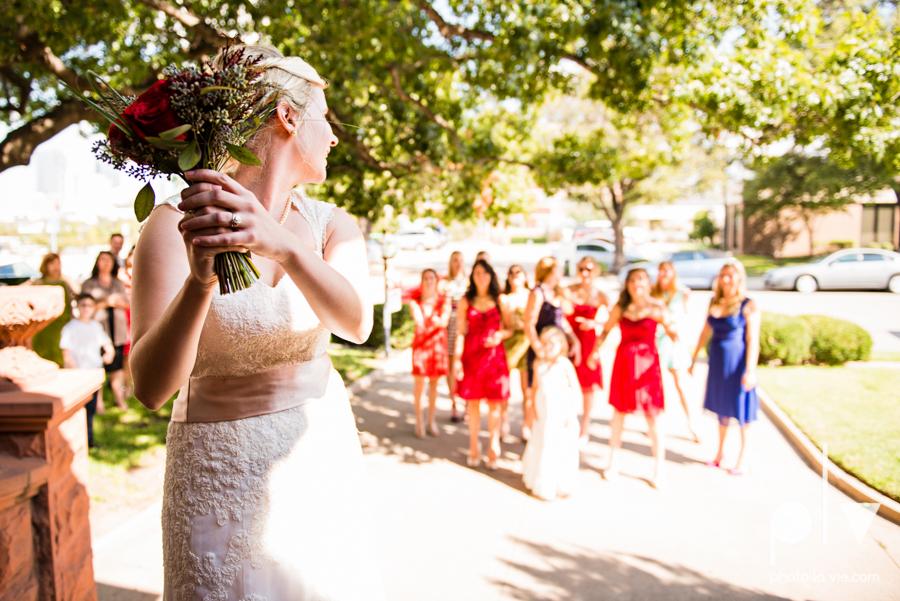 Samantha Arild Ben Wedding Fort Worth Marty Leonard Chapel Ball Eddleman House red lace architecture apple navy Sarah Whittaker Photo La Vie-51.JPG