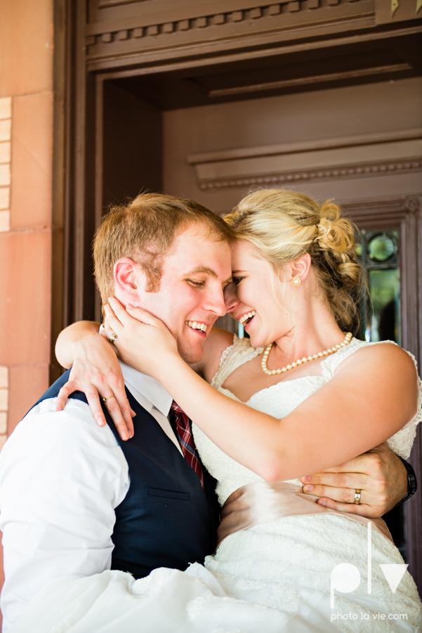 Samantha Arild Ben Wedding Fort Worth Marty Leonard Chapel Ball Eddleman House red lace architecture apple navy Sarah Whittaker Photo La Vie-55.JPG