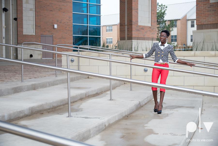 Nyeisha Graduation Portrait Session coral cap gown campus UTA texas Photo La Vie by Sarah Whittaker-13.JPG