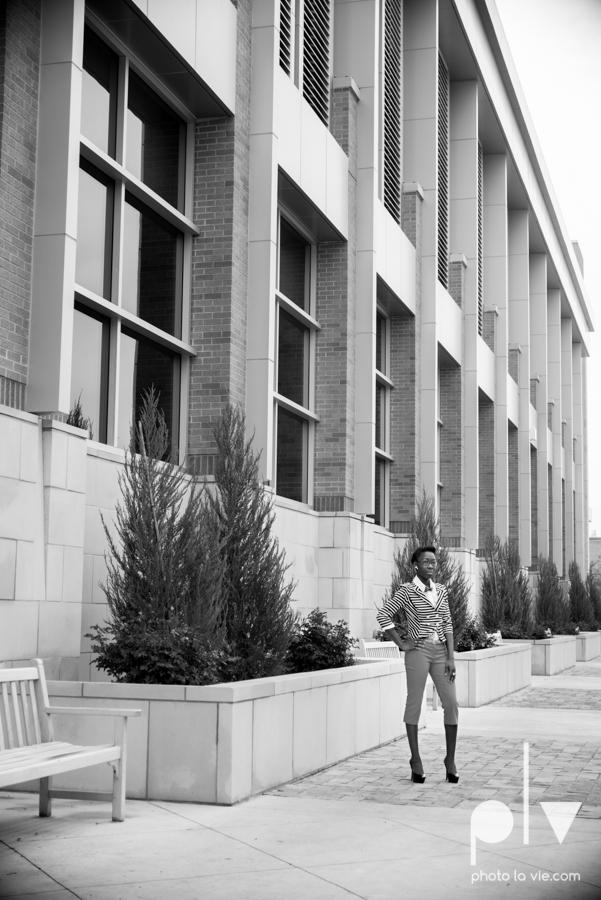 Nyeisha Graduation Portrait Session coral cap gown campus UTA texas Photo La Vie by Sarah Whittaker-16.JPG