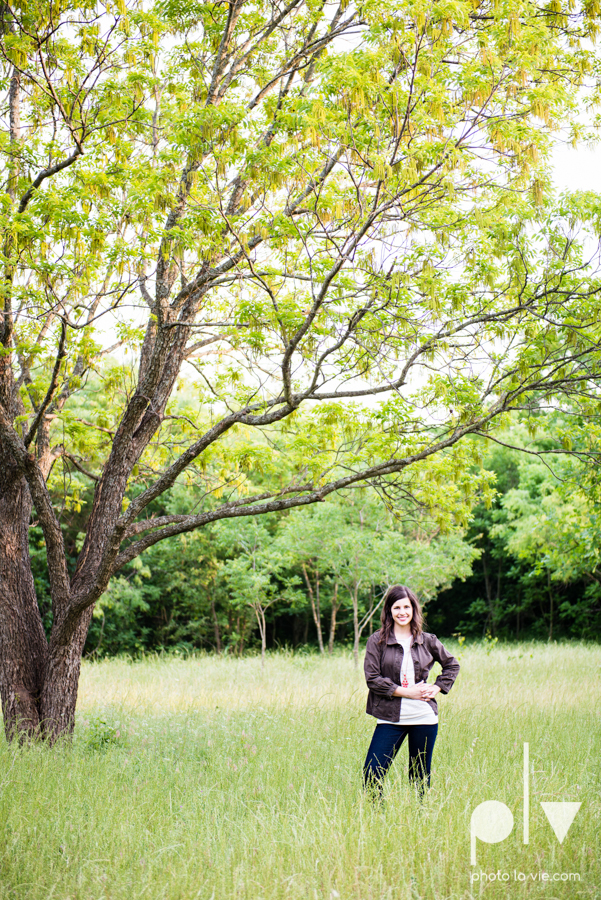 Senior Portrait session karah Woods Chapel vintage white girl texas Oliver Park nature field tree log pond worship sing Sarah Whittaker Photo La Vie-9.JPG