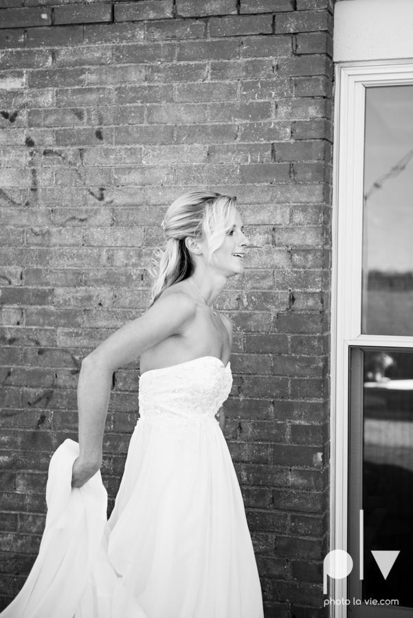 Ashley JD Wedding Filter Building Dallas summer July pink architecture Sarah Whittaker Photo La Vie-21.JPG
