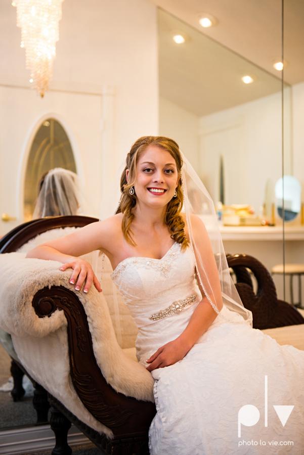 Wedding Chapel DFW photography October bride groom-6.JPG