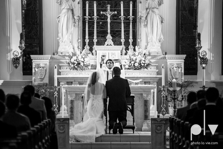 Fort Worth DFW Wedding photography downtown St Patricks Cathedral Ettas Place The Reata Rooftop Lip Service Creme de le Creme lace gold Sarah Whittaker Photo La Vie-36.JPG