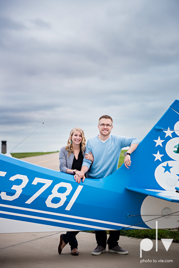 Allison JT engagement session Arlington Texas airport plane runway spring summer outdoors blue couple wedding DFW Dallas Fort Worth Sarah Whittaker Photo La Vie-6.JPG