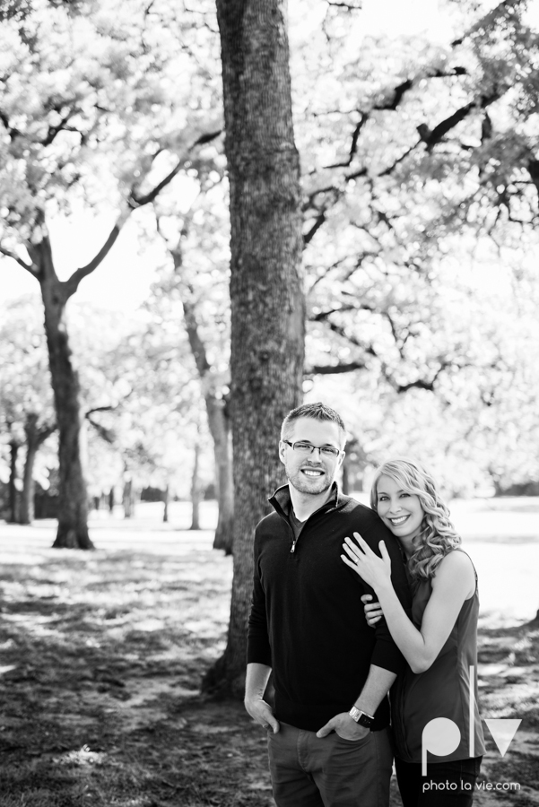 Allison JT wedding engagement session Dallas Texas Tx opportunity park pavilion architecture spring summer outside outdoors trees green modern Sarah Whittaker Photo La Vie-9.JPG