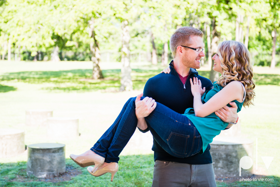Allison JT wedding engagement session Dallas Texas Tx opportunity park pavilion architecture spring summer outside outdoors trees green modern Sarah Whittaker Photo La Vie-12.JPG