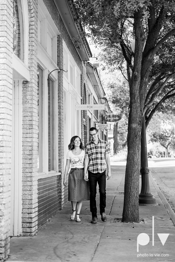 kate jeff engagement photo session dallas texas bishop arts district oak cliff park emporium pies urban walls trees ring french Sarah Whittaker Photo La Vie-8.JPG