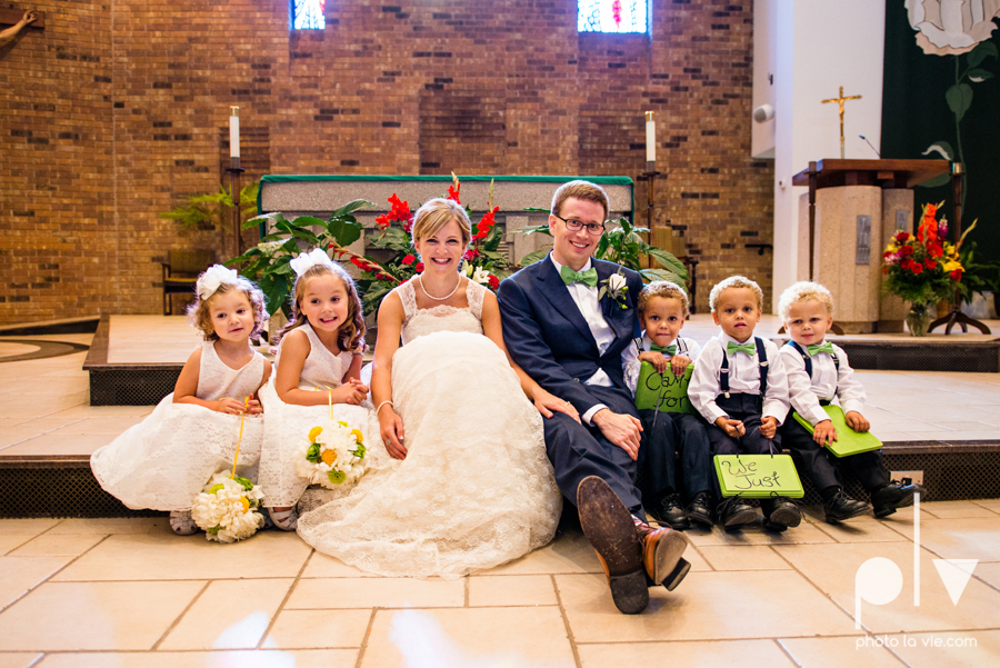 LindsayJohn Wedding Fort Worth catholic country green navy Photo La Vie-1.JPG