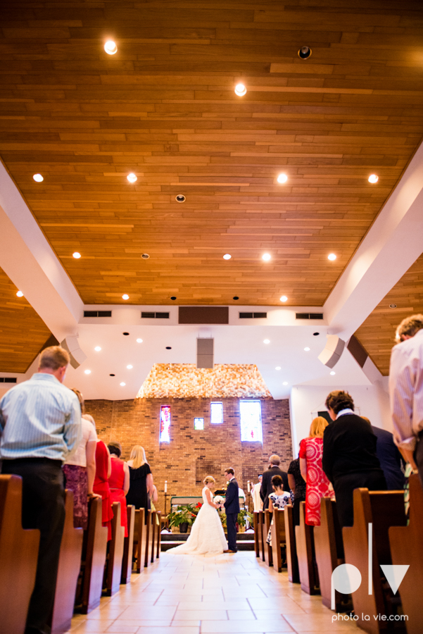 LindsayJohn Wedding Fort Worth catholic country green navy Photo La Vie-24.JPG