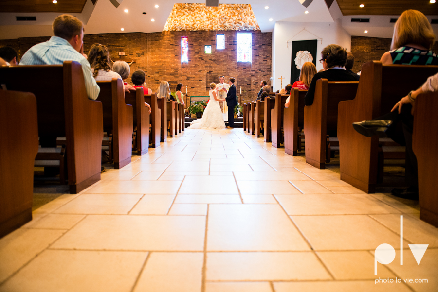 LindsayJohn Wedding Fort Worth catholic country green navy Photo La Vie-32.JPG