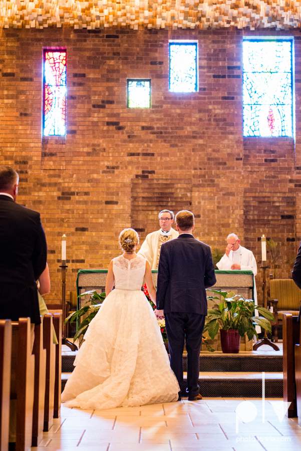 LindsayJohn Wedding Fort Worth catholic country green navy Photo La Vie-37.JPG