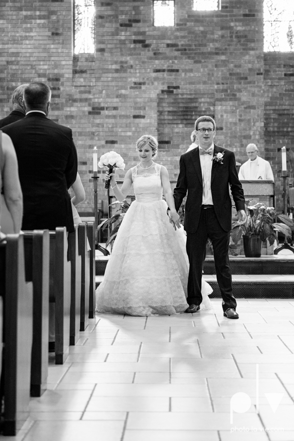 LindsayJohn Wedding Fort Worth catholic country green navy Photo La Vie-40.JPG