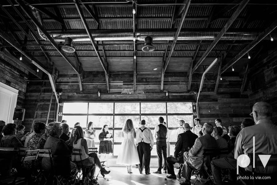 Marie Cord wedding Georgetown Union on Eighth Texas architecture modern vintage industrial books thegoodreads read Sarah Whittaker Photo La Vie-43.JPG