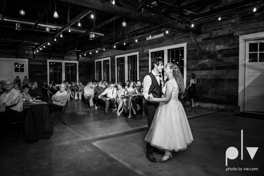 Marie Cord wedding Georgetown Union on Eighth Texas architecture modern vintage industrial books thegoodreads read Sarah Whittaker Photo La Vie-75.JPG