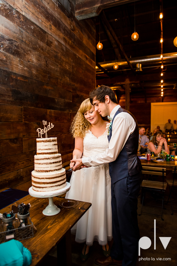 Marie Cord wedding Georgetown Union on Eighth Texas architecture modern vintage industrial books thegoodreads read Sarah Whittaker Photo La Vie-84.JPG