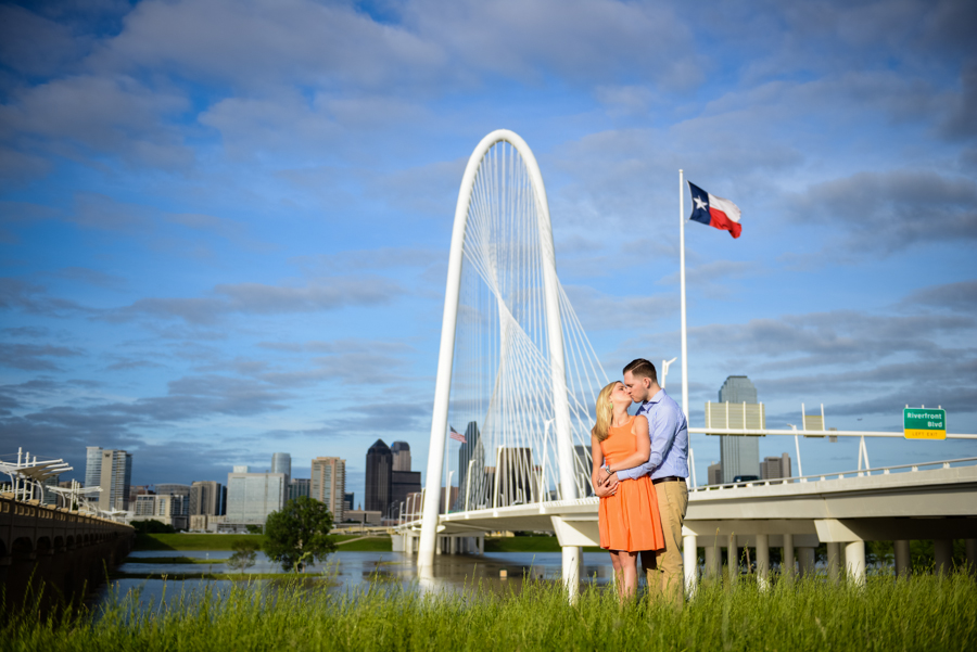 Photo La Vie Sarah Whittaker engagement photography DFW Dallas Fort Worth Hunt Hill Bridge downtown couple summer-2.JPG