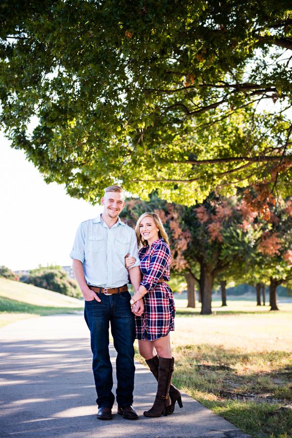 Photo La Vie Sarah Whittaker Fort Worth Trinity River Engagement Session Fall Summer Joe T Garcias Texas couple-1.JPG