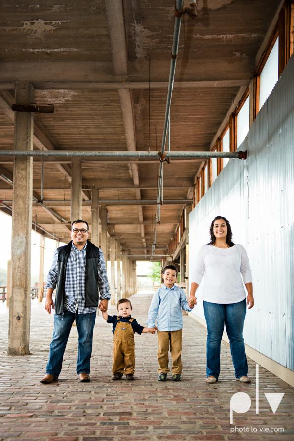 Mini session family photography stockyards fort worth texas station brothers children boys fall Photo La Vie-4.JPG