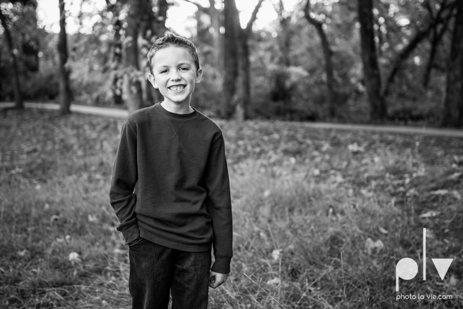 Family mini session Mansfield Oliver Nature Park Texas fall outdoors children siblings small young mom Sarah Whittaker Photo La Vie-5.JPG
