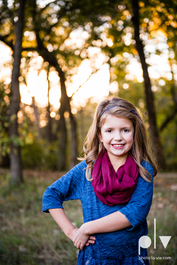 Family mini session Mansfield Oliver Nature Park Texas fall outdoors children siblings small young mom Sarah Whittaker Photo La Vie-6.JPG