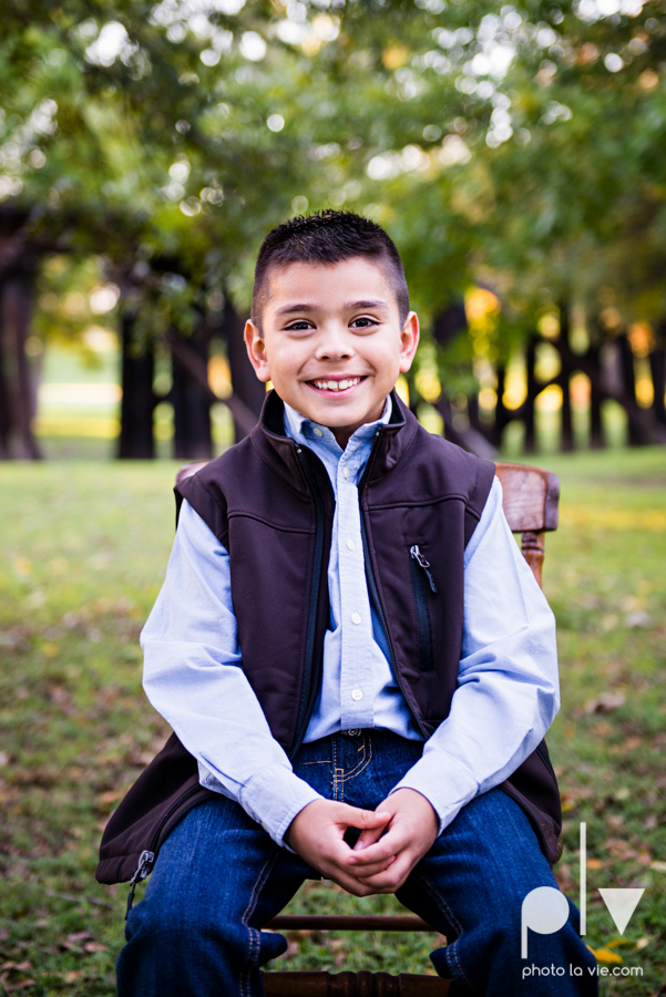 family session fort worth downtown trinity park fall group children siblings large Sarah Whittaker Photo La Vie-4.JPG